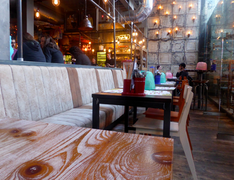 The quirky interior of Thaikhun