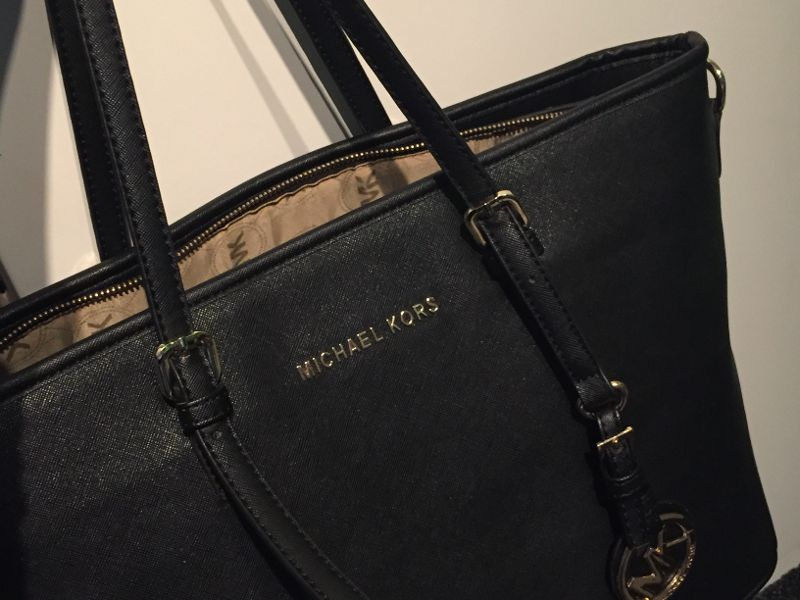 Fake Michael Kors Stefano Tote from Thailand.
