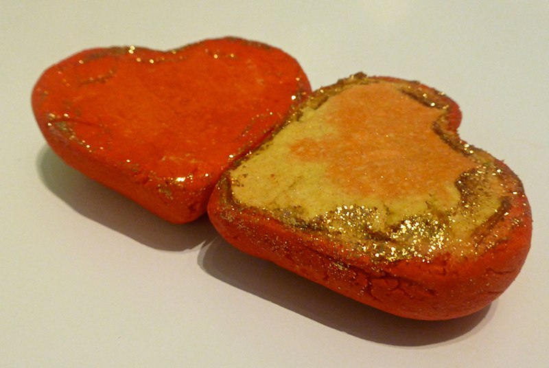 Lush Valentines Day collection 2015 - Heart Throb Bubble Bar